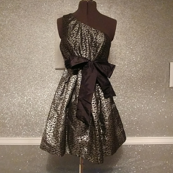 Forever 21 Dresses & Skirts - Black & silver party dress